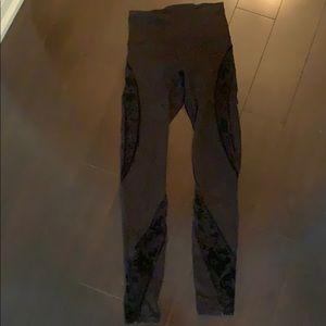 Lululemon lace legging